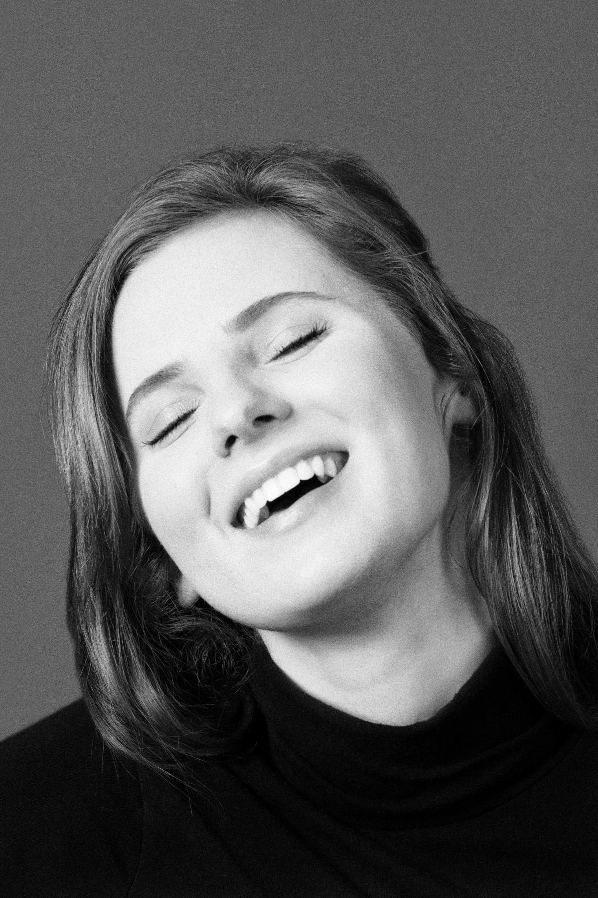 04 schauspielerin jennifer steinbach schauspieler portrait fotograf kuenstlerportrait - Fotograf X Schauspielerin