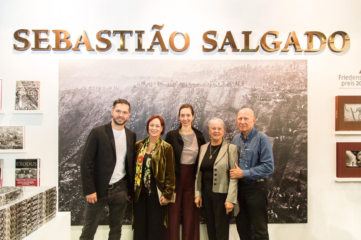 IMG 6853 - Booksigning mit Sebastião Salgado